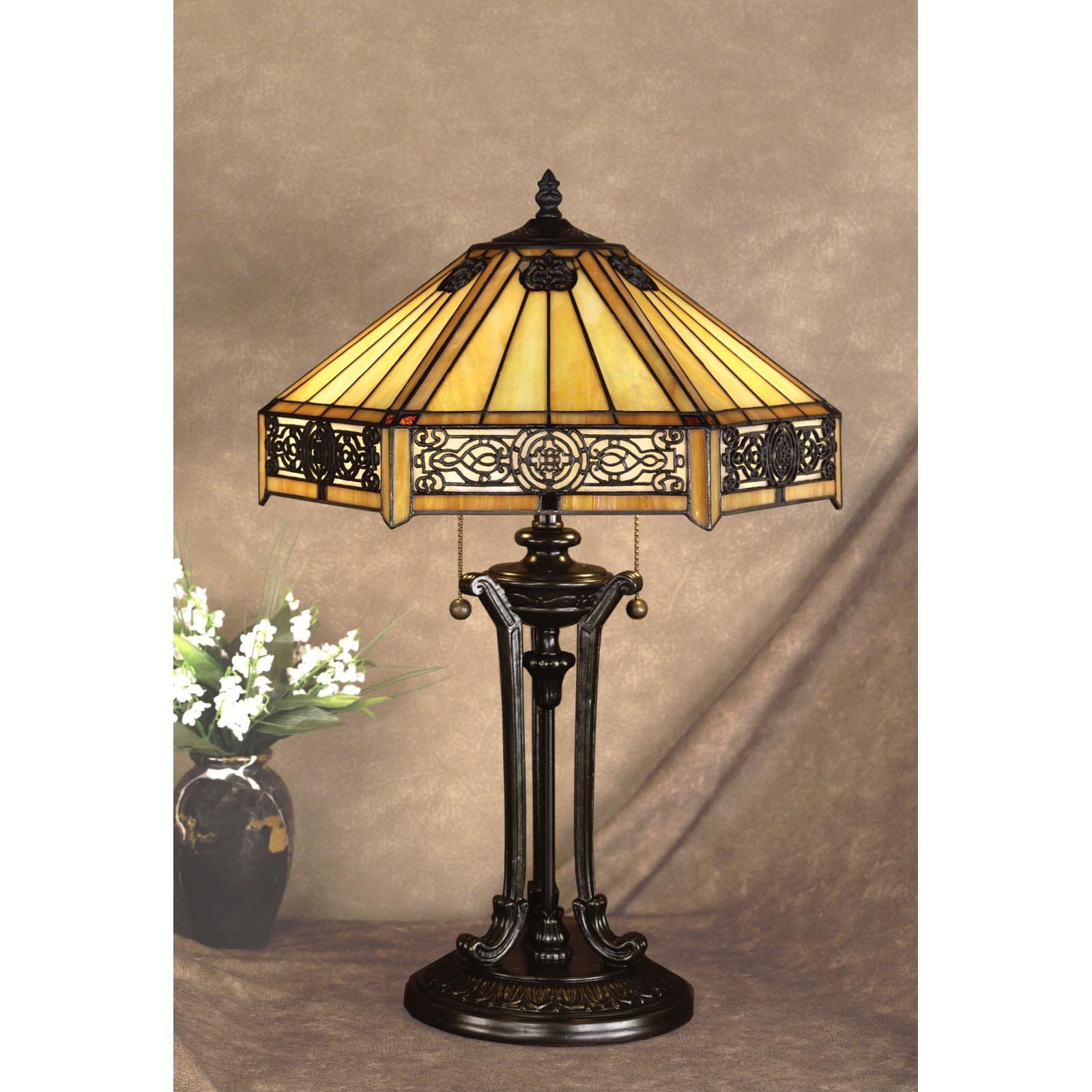 Tiffany lamp quoizel on deluxe interior for Tiffany lampen